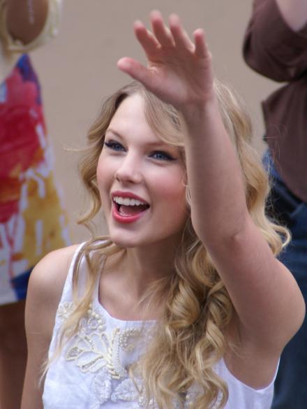 Taylor Swift Sieg Heil | The Lonely Tribalist