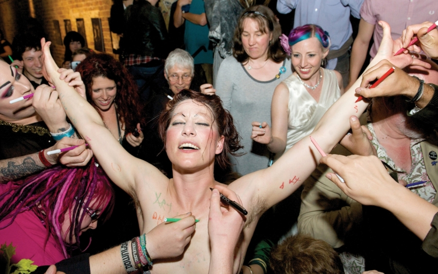 amanda palmer fans signing naked body | the lonely tribalist